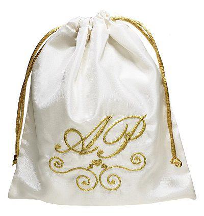 Embalagem de tafetá bordado  - fechamento com cordão de cetim  - 15 x 15 - Linha Premium  4553  - Litex Embalagens