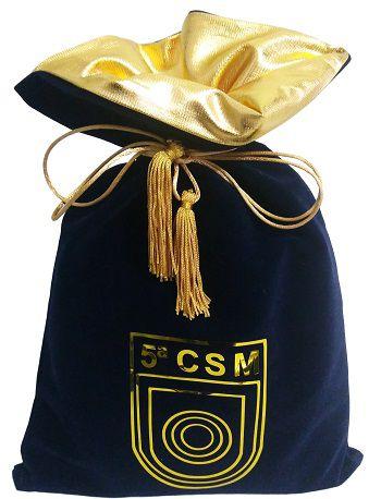 Embalagem de veludo personalizado 25 x 35 - Impressão Hot-Stamping Italiano - Fechamento com pingente de seda - Linha Premium 6074  - Litex Embalagens