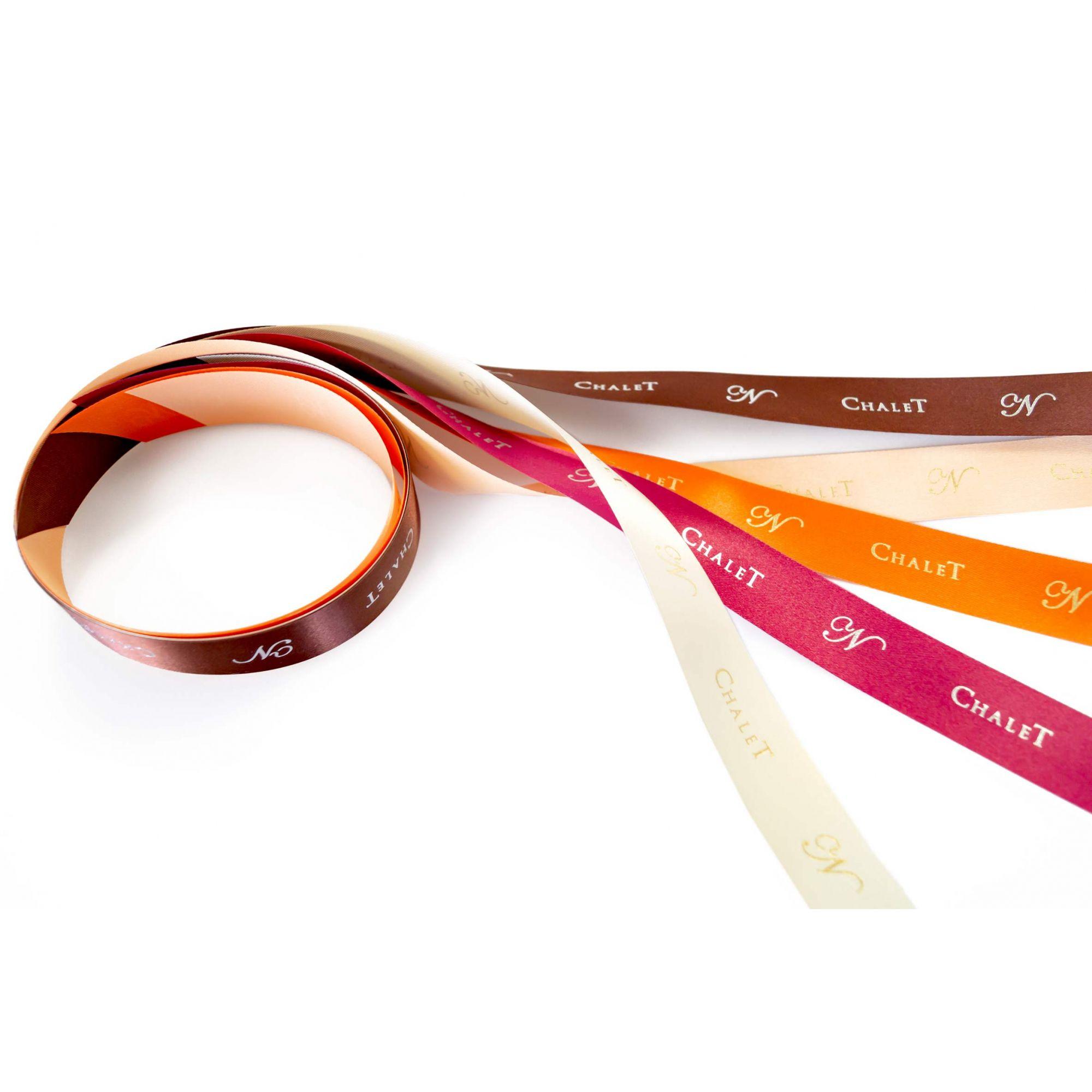 Fita de cetim personalizada 10mm  - Impressão Foil Metalizado  ou serigrafia 1 cor - Preço por metro  - Linha cristal 4545  - Litex Embalagens