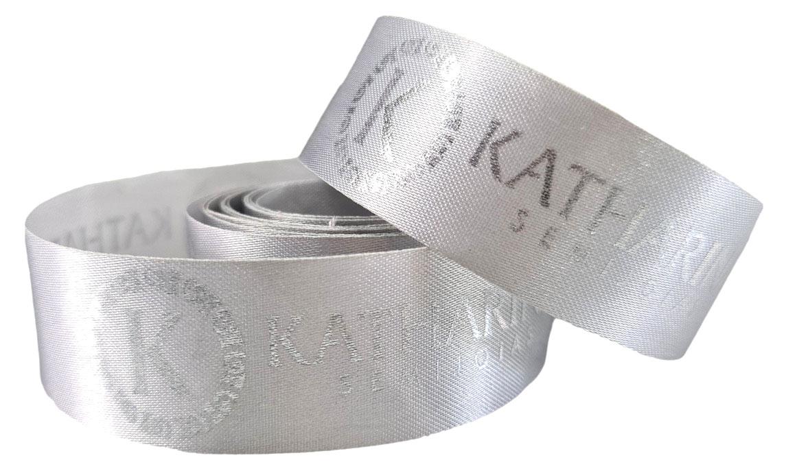 Fita de cetim personalizada 35mm  - Impressão Foil Metalizado ou serigrafia 1 cor - Preço por metro - Linha cristal 9203  - Litex Embalagens