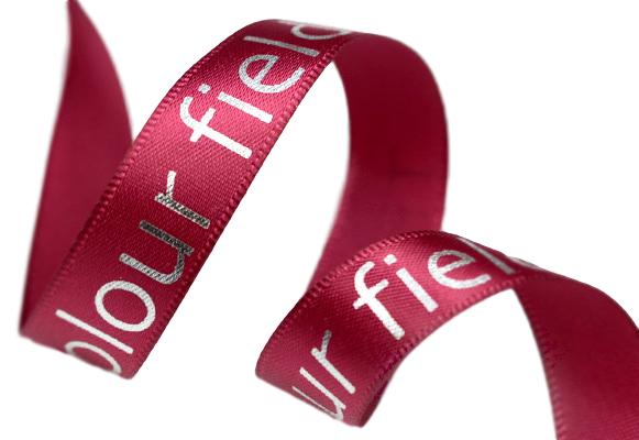 Fita de cetim personalizada 35mm   - Impressão Foil Metalizado ou serigrafia 1 cor - Preço por metro - Linha cristal 1559  - Litex Embalagens