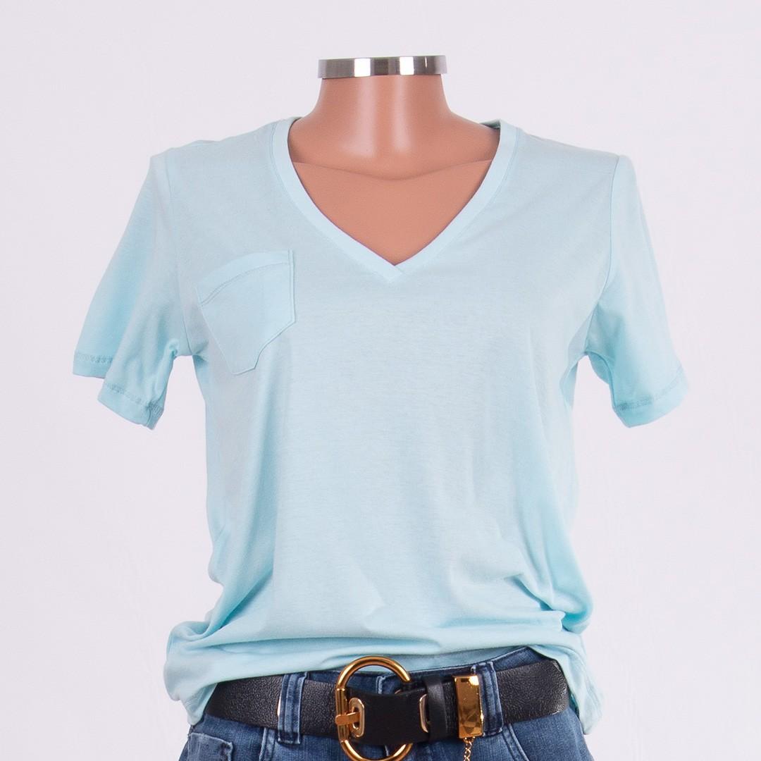 T-shirt Olívia com Decote V e Bolso