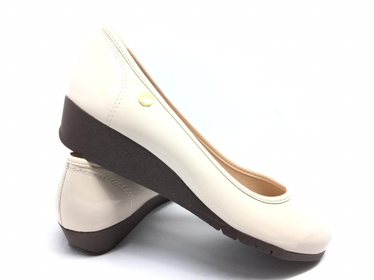 Sapato Anabela Moleca Creme