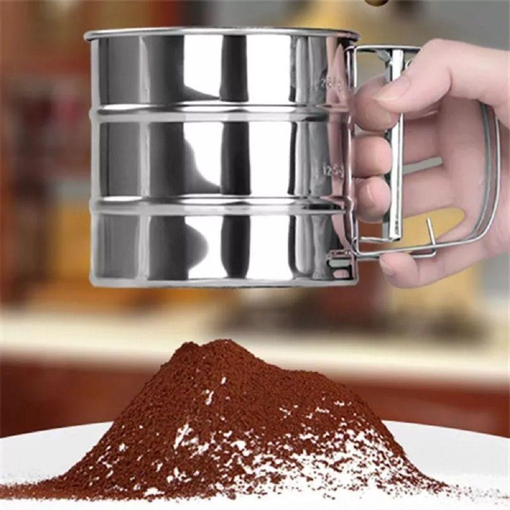 Polvilhador Caneca Peneira Gatilho Inox para Farinha Açúcar