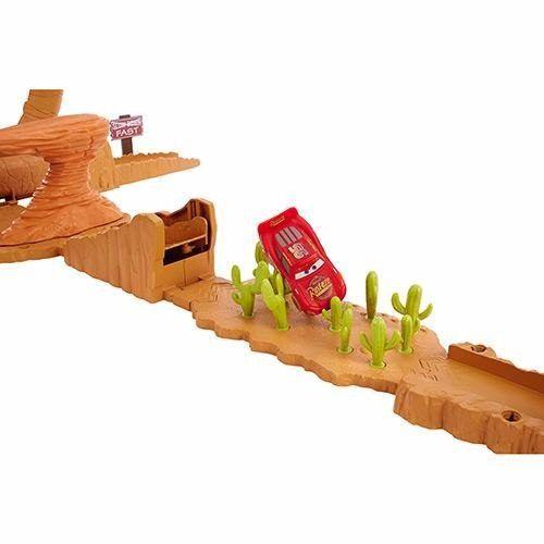 Carros 3 Salto Na Colina De Willy - Mattel Macqueen Disney