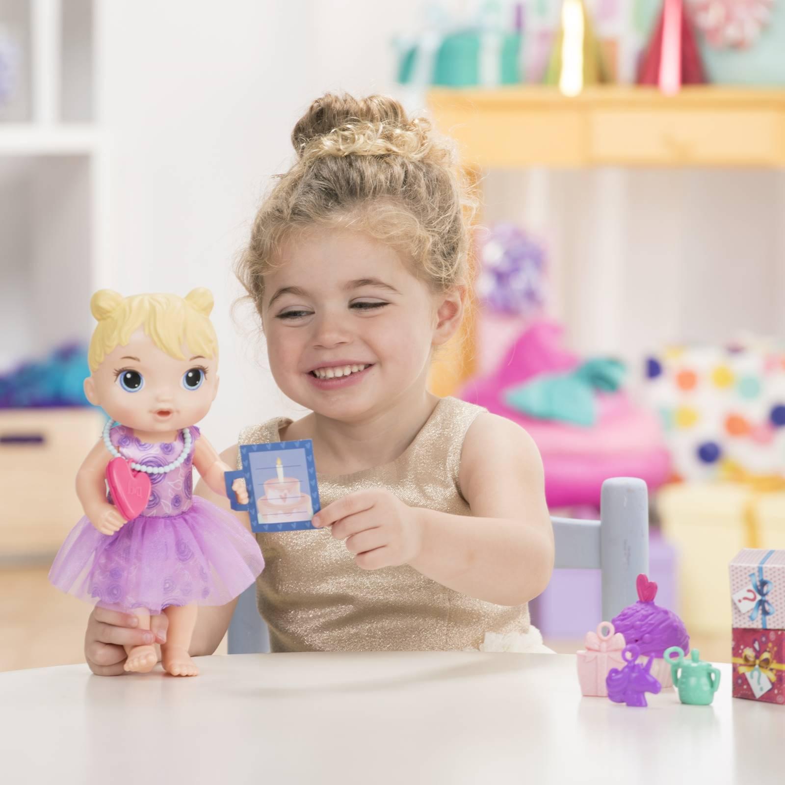 Boneca Baby Alive Festa Surpresa de Presentes Loira E8719 - Hasbro
