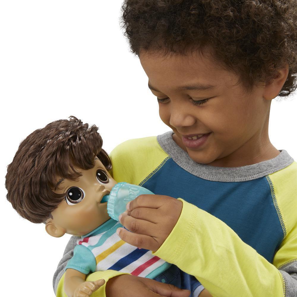 Boneca Baby Alive Passos e Sorrisos Boy - Primeiros Passinhos Menino Moreno E5245 - Hasbro