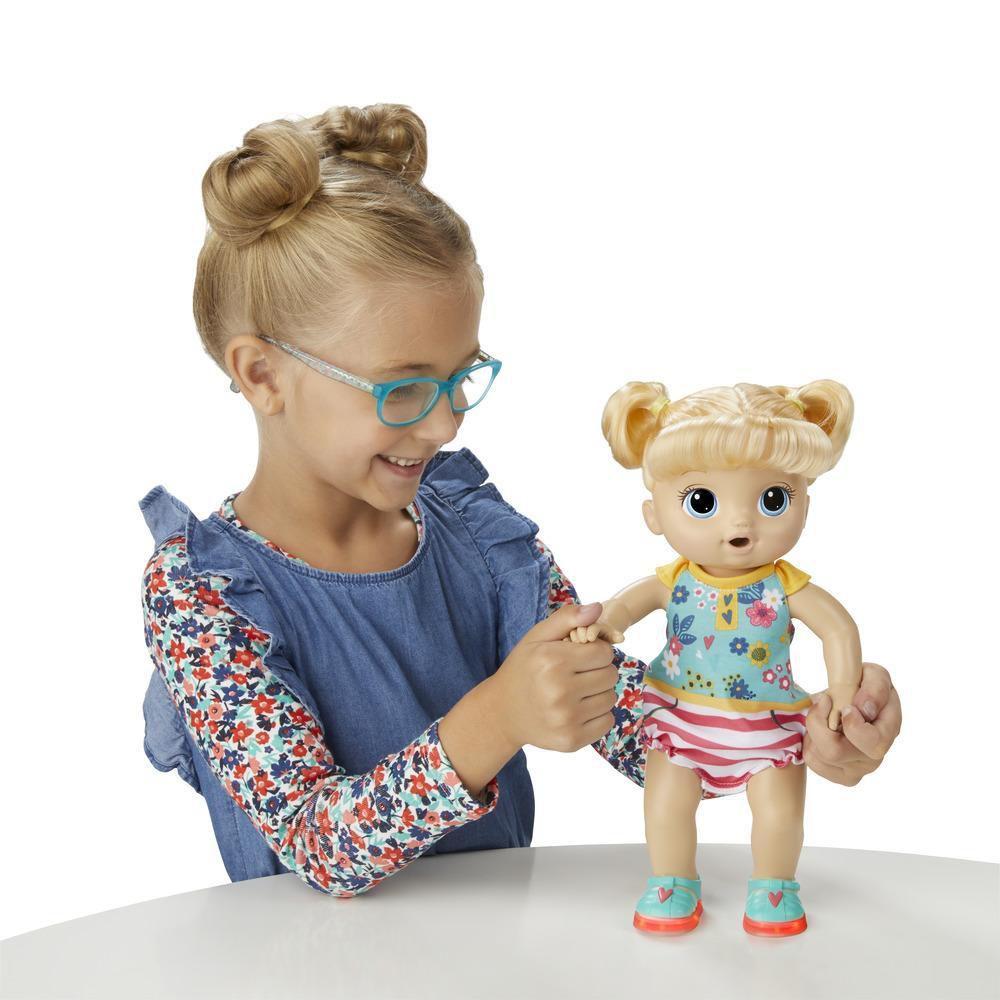 Boneca Baby Alive Passos e Sorrisos Loira - Primeiros Passinhos E5247 - Hasbro