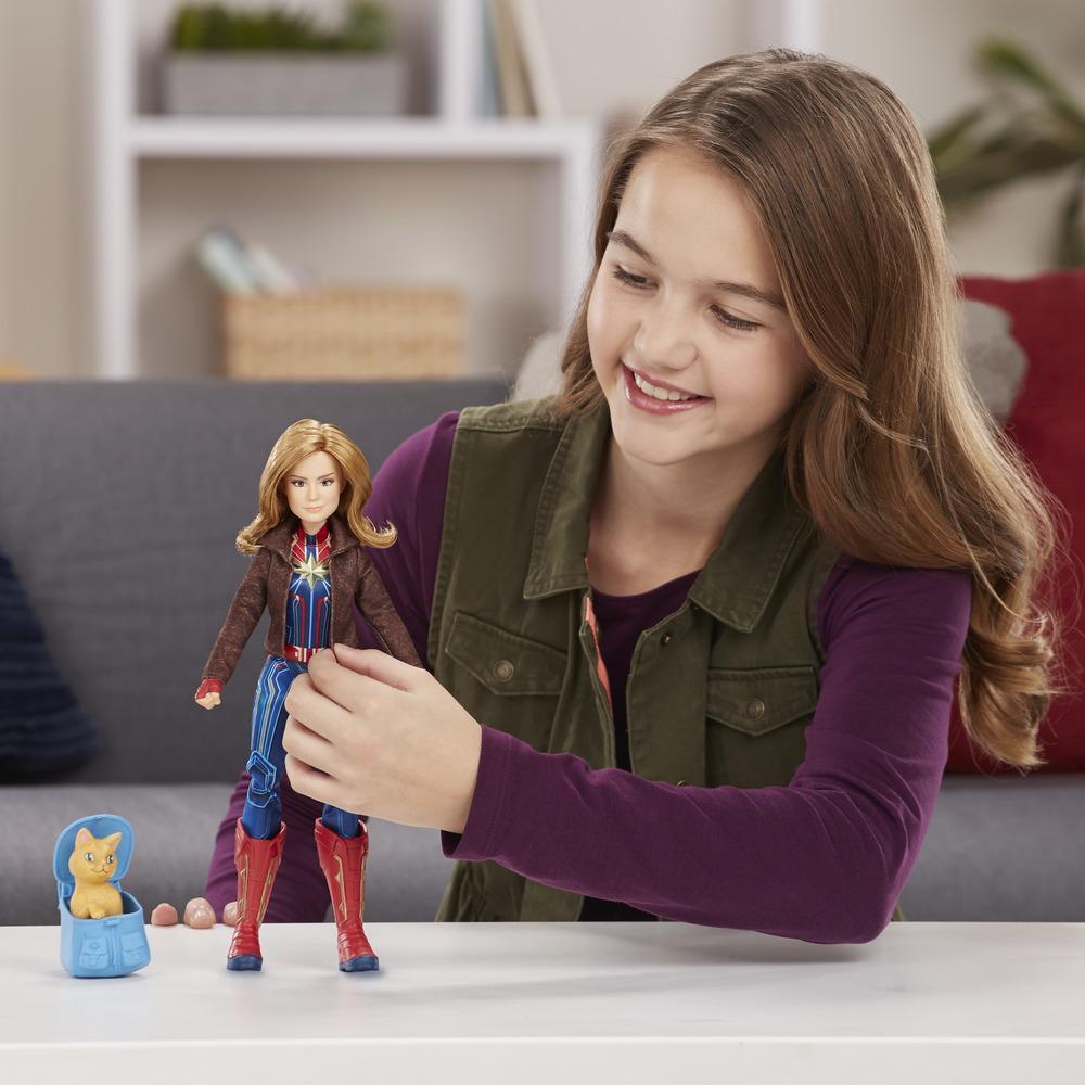 Boneca Capita Marvel Deluxe e a Gata Goose E4944 - Hasbro