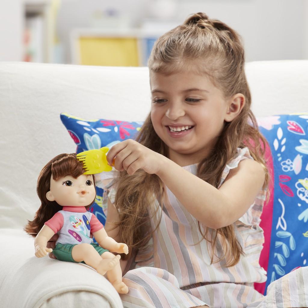 Boneca Littles Baby Alive Turminha Estilosa Morena Maya E8408 E8407 - Hasbro