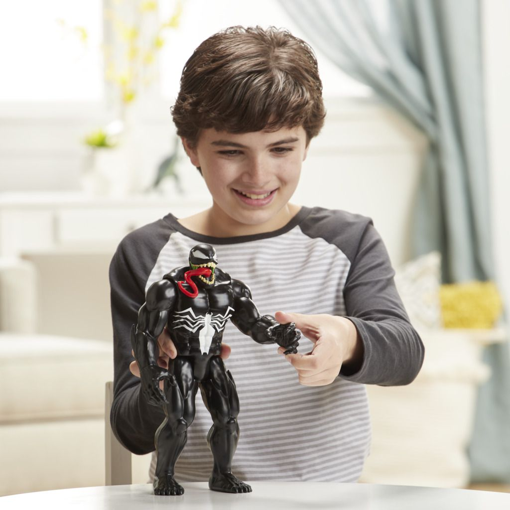 Boneco Maximum Venom Titan Hero Blast Gear E8684 - Hasbro