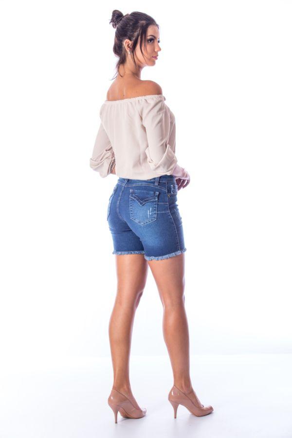 Bermuda Meia Coxa Jeans c/ Barra Desfiada