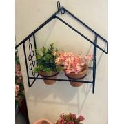 Casa Floreira com Vasinhos de Barro