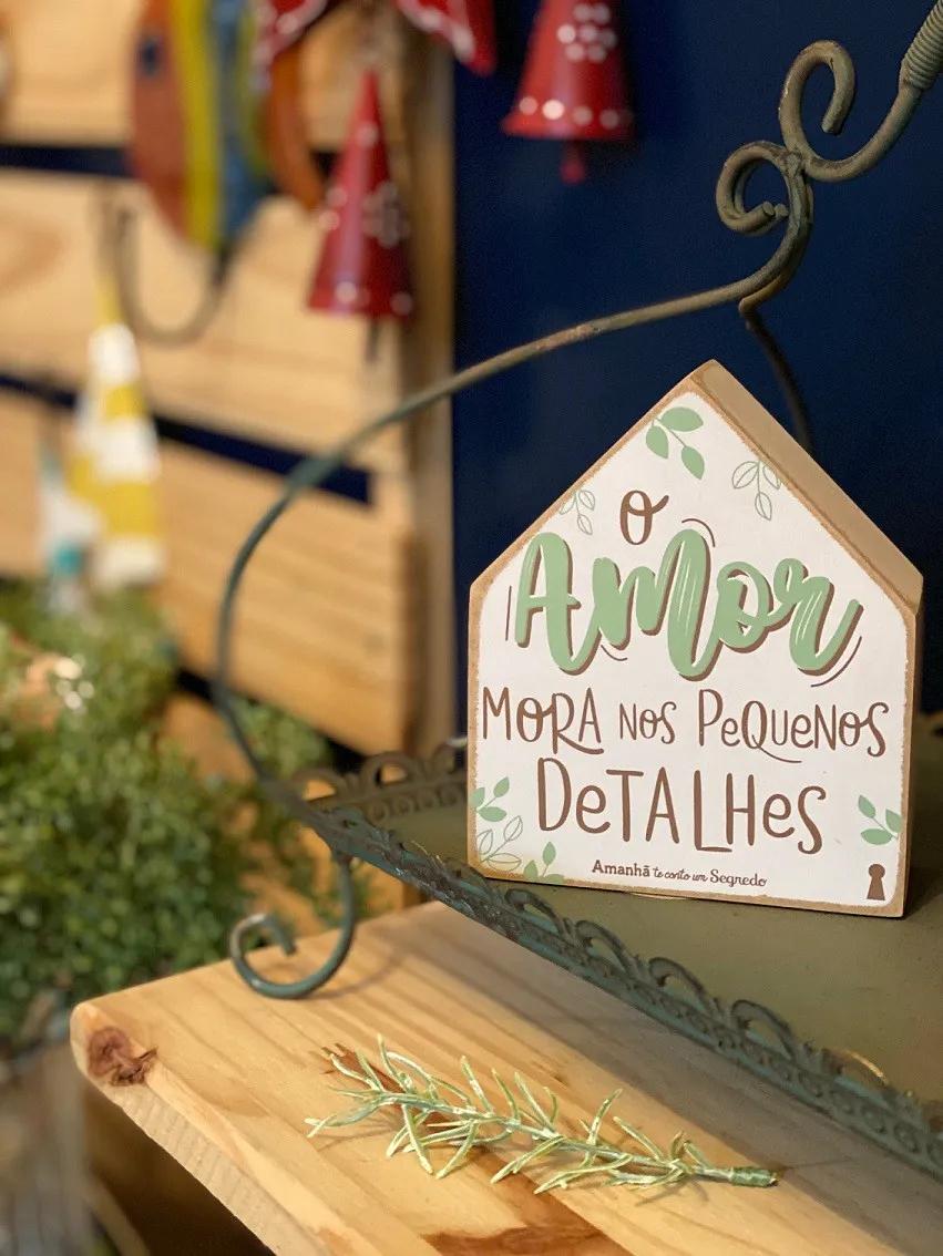 """Enfeite Box Casinha em Madeira mdf - """"O amor mora nos pequenos detalhes"""""""