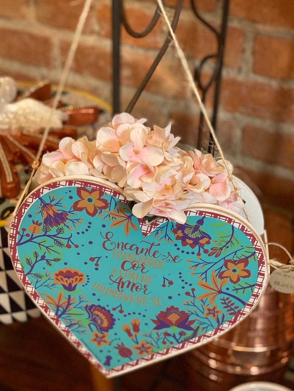 Floreira Coração em Madeira mdf - Primavere-se