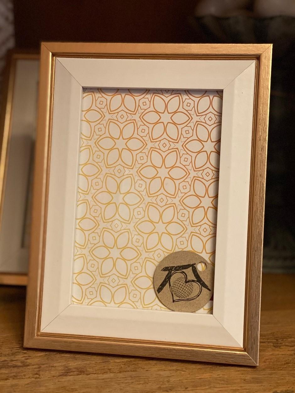 Porta Retrato Madeira - Dourado e Branco