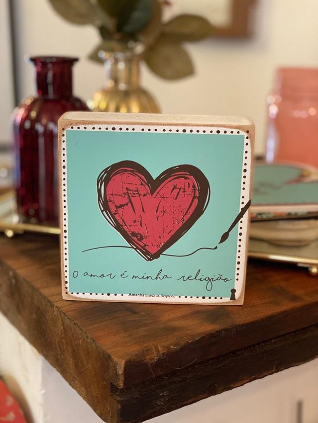 Quadrinho Box de Madeira - O amor é minha religião