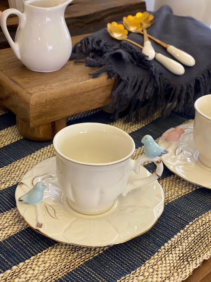 Xícara Café com Pires Porcelana Detalhe Passarinho