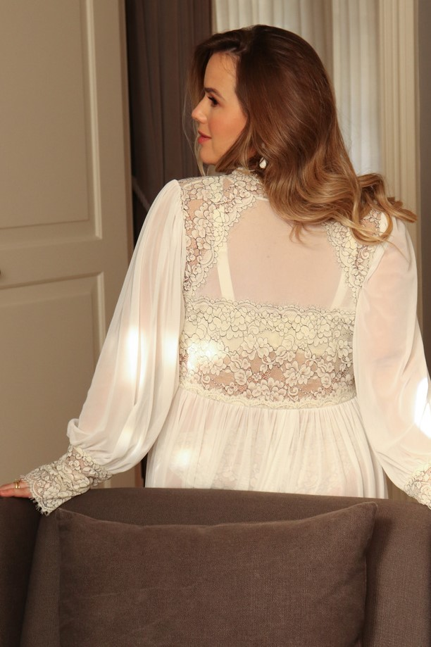 Robe longo em tule e renda bicolor off white