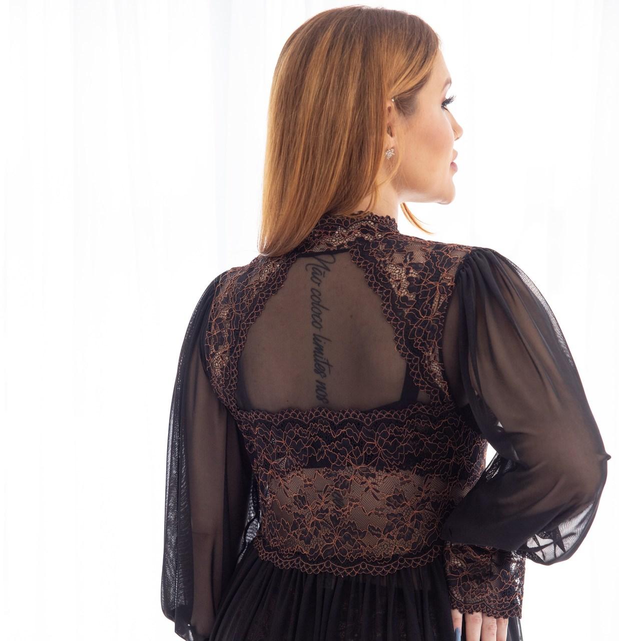 Robe longo em tule e renda bicolor preto