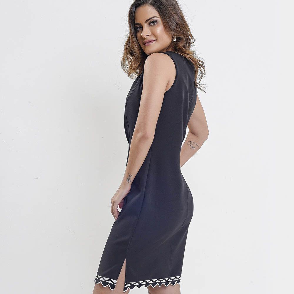 Vestido amamentação alfaiataria preto com detalhes bordado