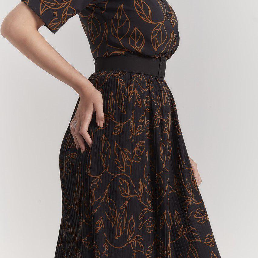 Vestido amamentação estampado com saia plissada
