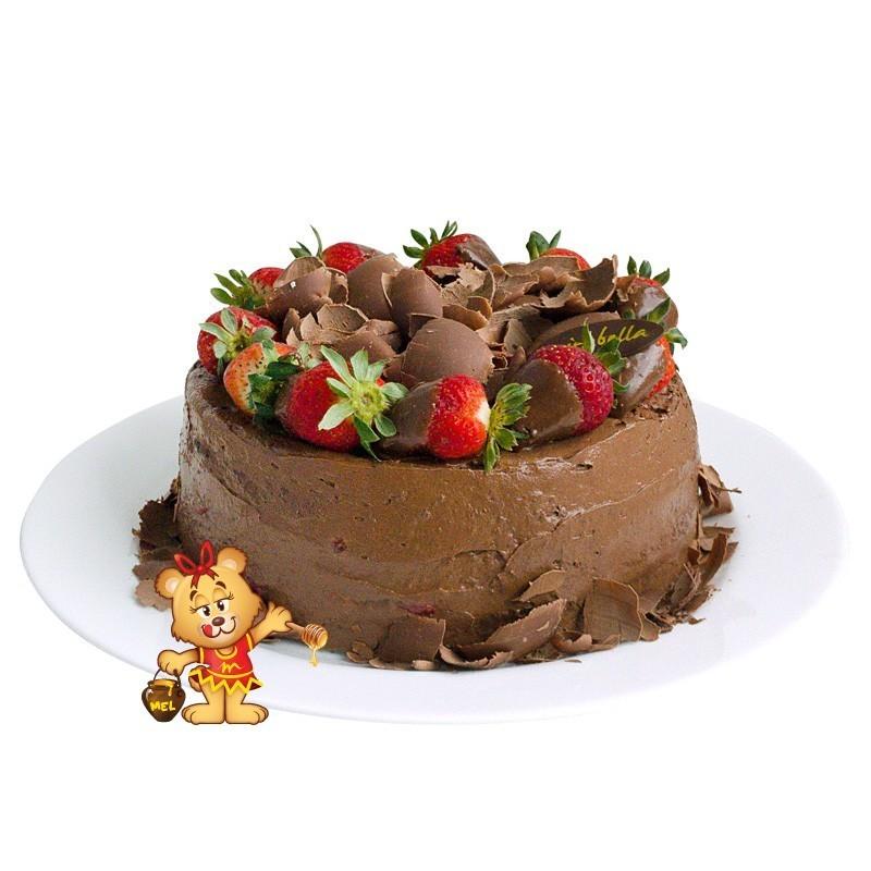 Bolo Mousse de Chocolate com Morango  - www.doceriamirabella.com.br