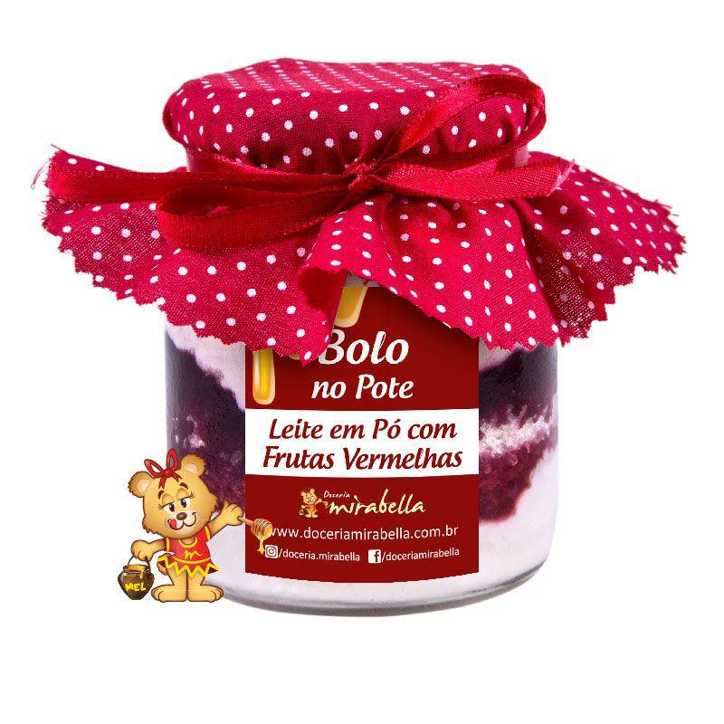 Bolo no Pote de Vidro Leite em Pó com Frutas Vermelhas  - www.doceriamirabella.com.br