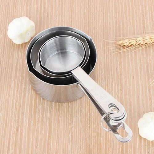 Espátula, raspador e cortador de inox para massas e 4 copos medidores