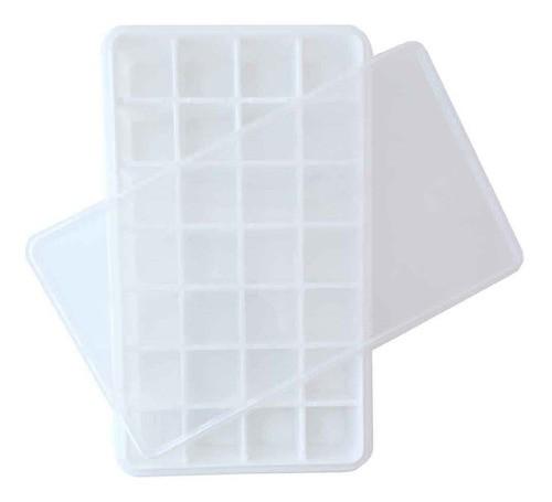 Forma de gelo com tampa 28 cubos