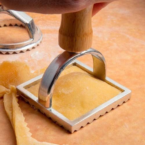 Rolo ajustável de Inox para massas e Cortador de ravioli quadrado 7cm