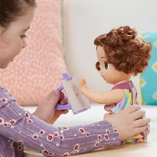 Boneca Baby Alive Pequena Artista Morena - Hasbro
