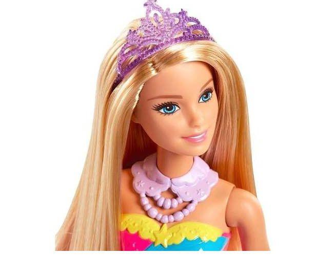 Boneca Barbie Dreamtopia Trono de Arco-Íris - Mattel