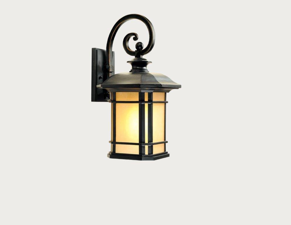 Arandela Colonial Lanterna Metal E Vidro Ambar Uso Externo E Interno LO-1258
