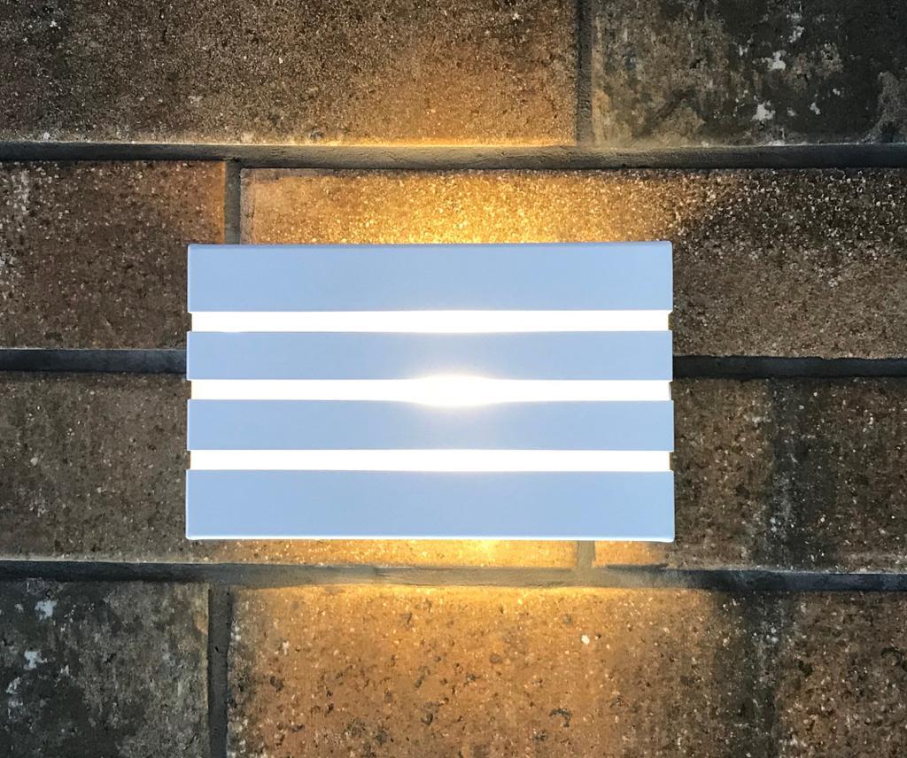 Arandela Frisada Frizzy Retangular 2 Fachos e 3 Frisos Uso Externo e Interno