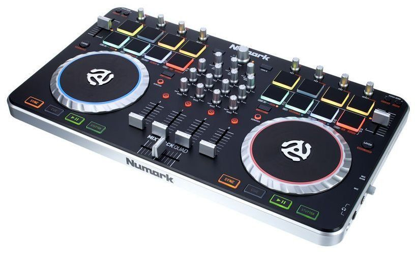 Controlador Numark Mixtrack Quad 4 Canais com Interface de Áudio USB