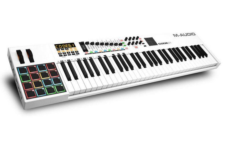 Teclado Controlador M-Audio CODE 61 USB/MIDI 61 Teclas Branco