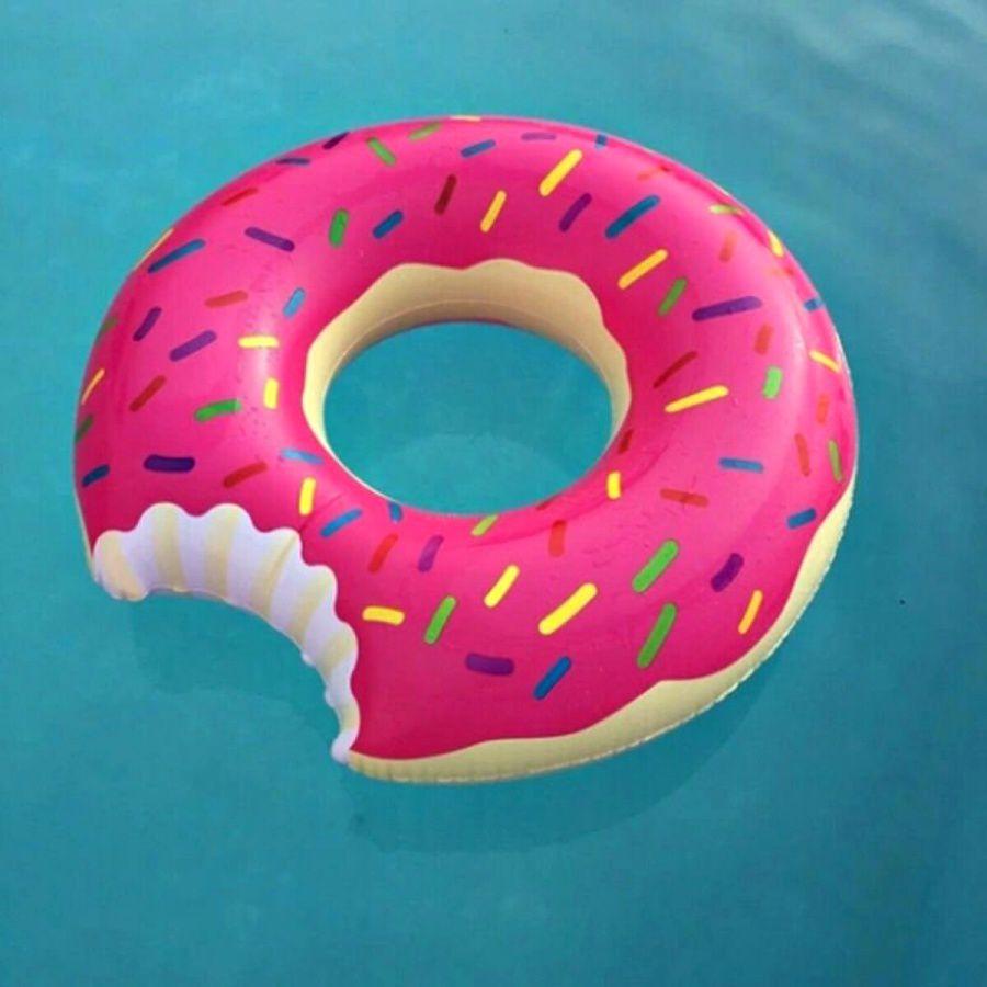 Boia Donut Chocolate Ou Morango Inflável Piscina - 60cm