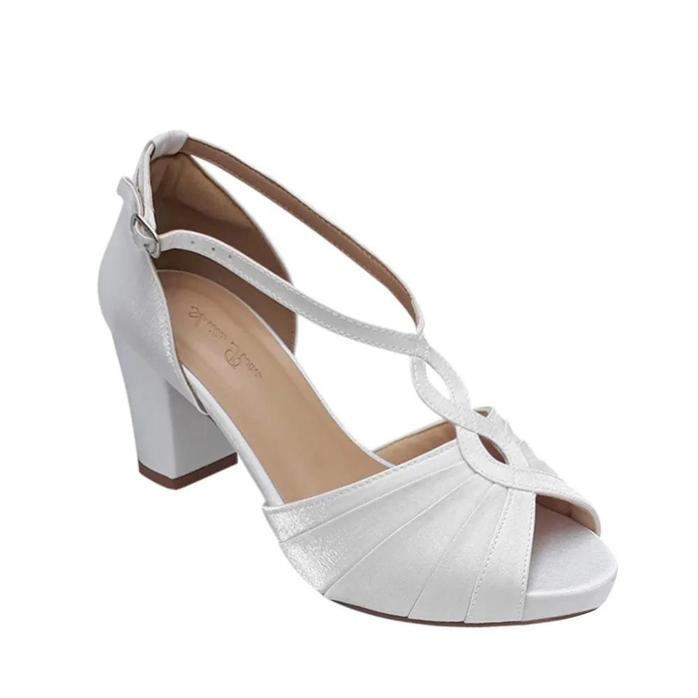 Sandalia Branca de Noiva Debutante Salto Médio Grosso