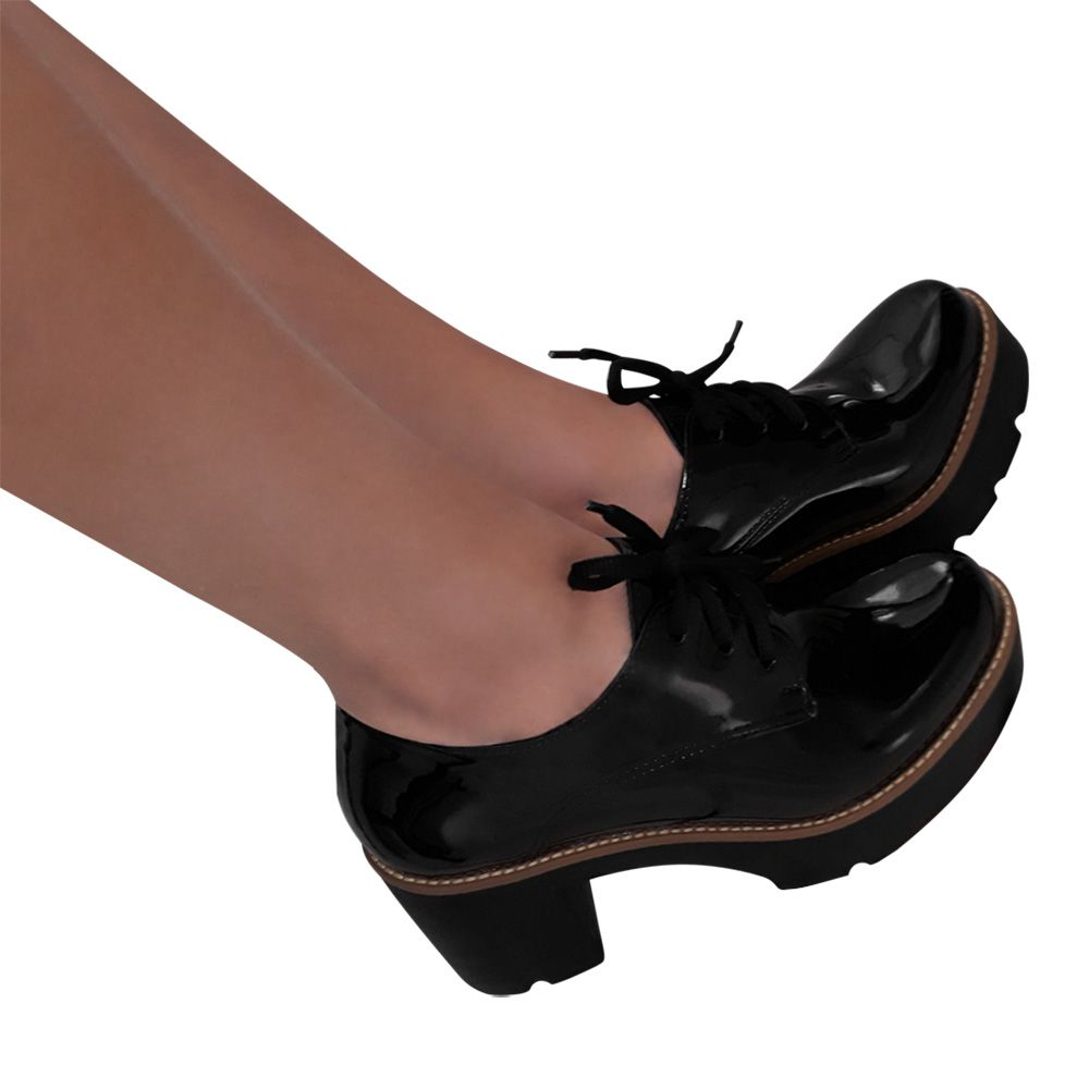 Sapato Feminino Oxford Preto Verniz Salto Tratorado