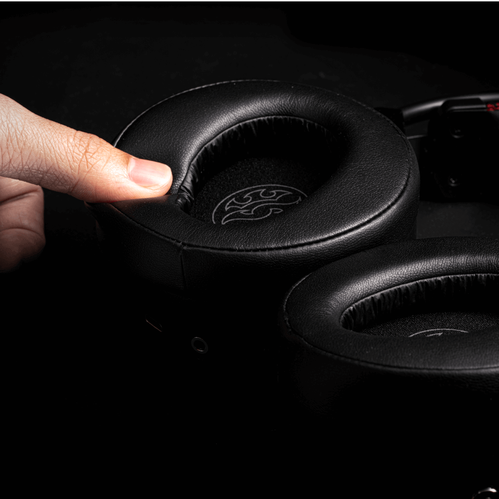 Headset Gamer 7,1 XPG PRECOG c/Drivers duplos Preto/Vermelho