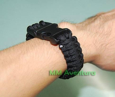 Pulseira Paracord Com Apito Sobrevivência Bracelete - Preta