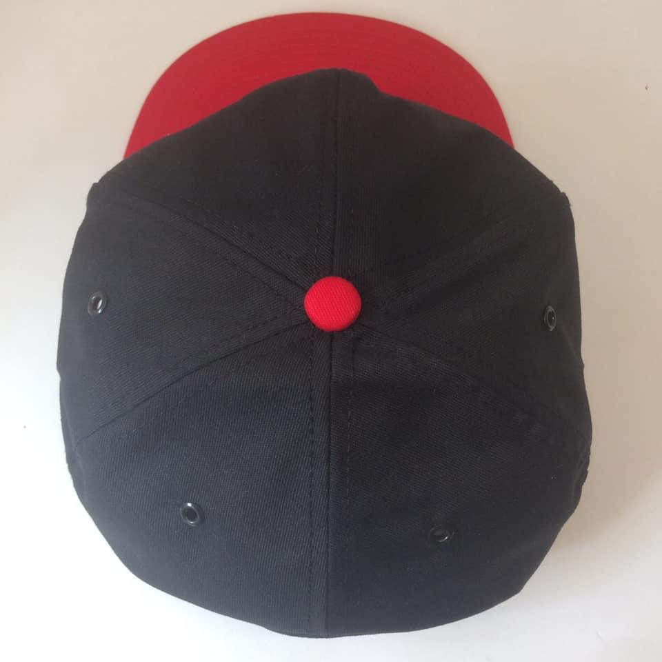 Boné Bordado Victorinox Preto e Vermelho Logo