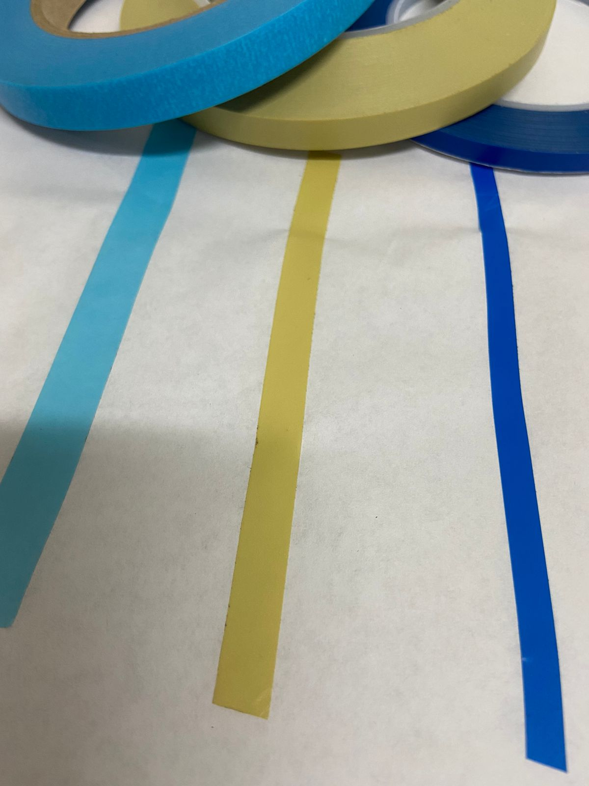Fita adesiva SUPER FLEXÍVEL para tiras finas e curvas/ondas com 66 metros