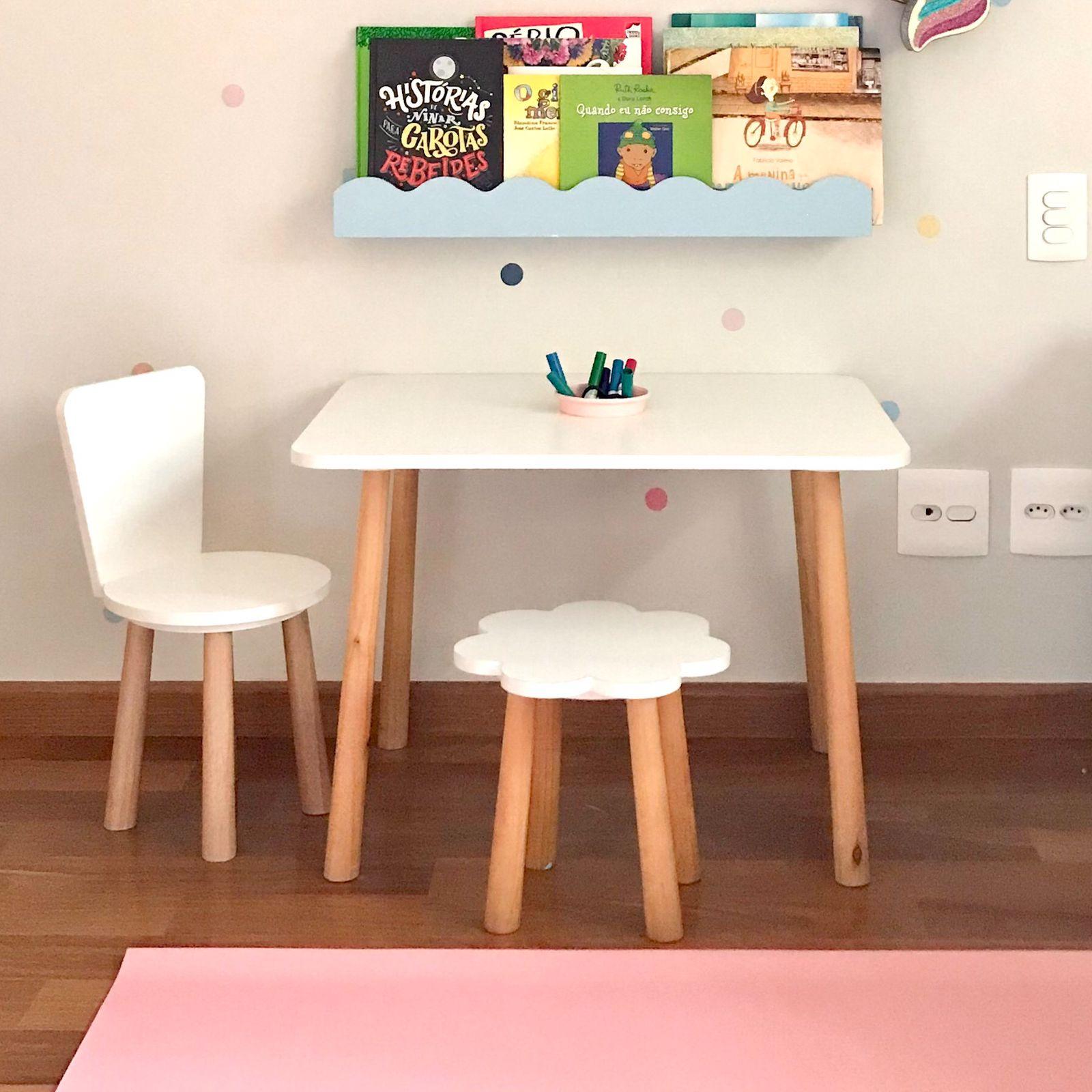 Mesa de atividades Lina + Cadeirinha Bebel + Banquinho Fefê