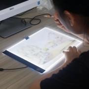 Mesa De Luz Led A4 Tablet Desenho Original Novo