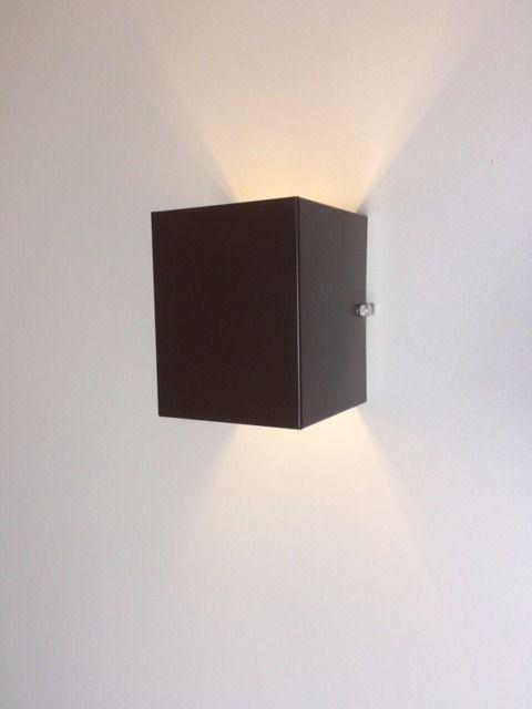 Luminária Arandela Marrom dois fachos em alumínio para 1x Lâmpada G-9 H12cm x L10cm x Prof10cm