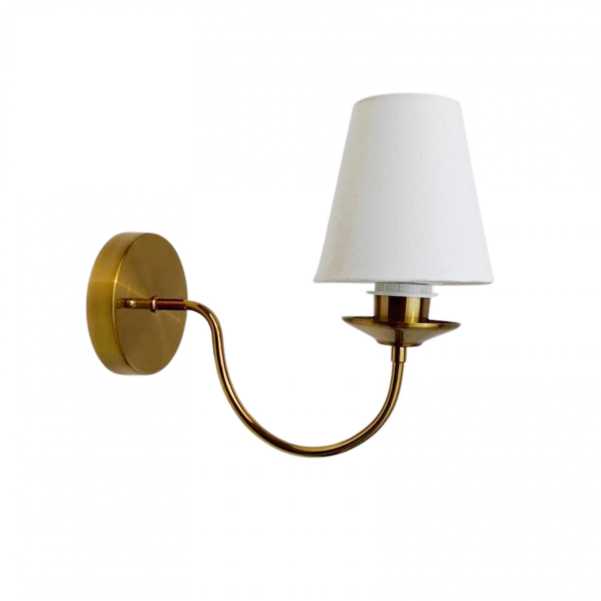 Arandela Nina clássica dourada com Cúpula em Tecido