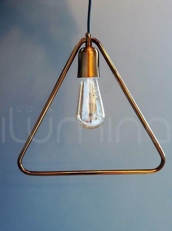 Pendente para bancada/mesa triângular em alumínio verniz ouro para 1 lâmpada E-27 30cm x 30cm