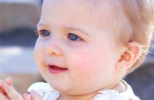 Brinco Infantil Pedra Zircônia 3mm 2o Furo Bebê Ouro 18k